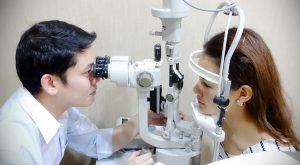 วัดสายตาประกอบแว่น